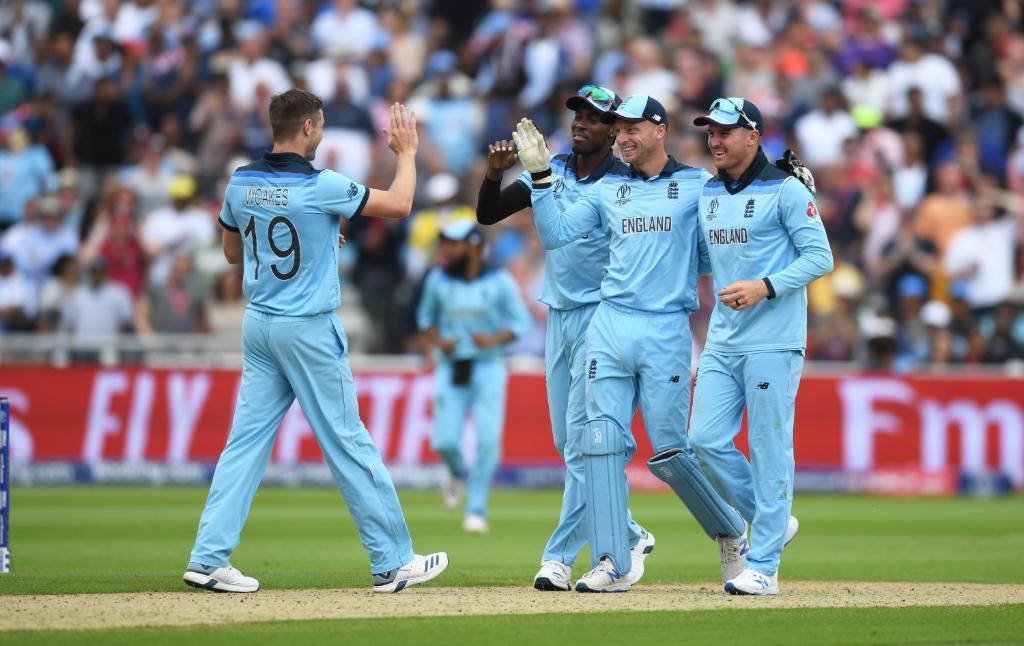 अस्ट्रेलियालाई हराउँदै इङ्ल्यान्ड फाइनलमा