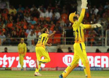 आईपीएलमा सनराइजर्स र कोलकता तथा बेङ्लोर र चेन्नई खेल्दै