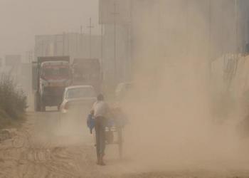 धूलोधूवाँले स्वास्थ्यमा असर गरेको भन्दै स्थानीय आक्रोशित